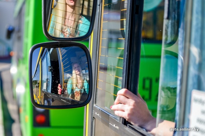 beautiful-blonde-woman-is-a-bus-driver-in-belarus-photo-gallery_6