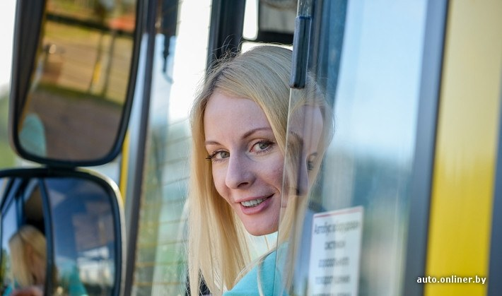 beautiful-blonde-woman-is-a-bus-driver-in-belarus-photo-gallery_8